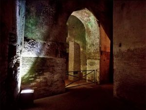 "<div class=""buttonTitle""><div class=""roundedlIcon white mbianco mprest""></div></div>Domus Aurea - A Stunning Tour  of  Emperor Nero's Underground Golden House in Rome"