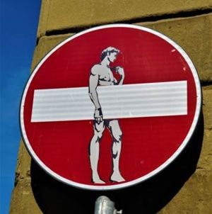 "<div class=""buttonTitle""><div class=""roundedlIcon white mbianco mprest""></div></div>Street Art in Florence"