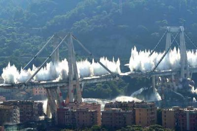 "<div class=""buttonTitle""><div class=""roundedlIcon white mbianco mprest""></div></div>Genoa: Morandi bridge&#039;s demolitions"