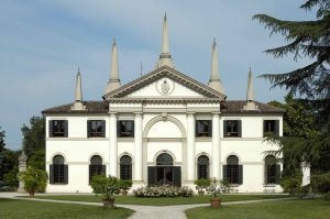 The Villa Giustiniani: a Family Home for Over 400 Years