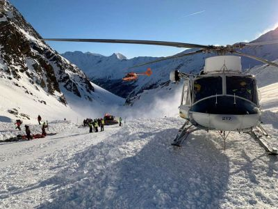 An avalanche on the Val Senales killed three German skiiers