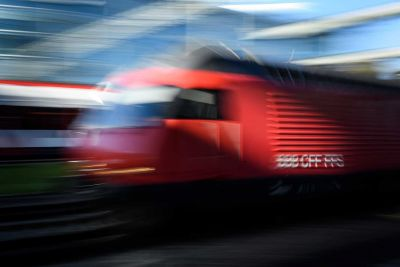 "<div class=""buttonTitle""><div class=""roundedlIcon white mbianco mprest""></div></div>Switzerland and Italy Stop all cross-border train services"