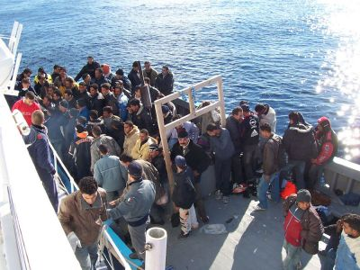 "<div class=""buttonTitle""><div class=""roundedlIcon white mbianco mprest""></div></div>Last month, Sicily welcomed nearly 900 migrants rescued in Mediterranean waters"