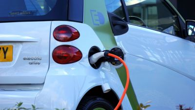 Italy offers subsidies to buyers of green vehicles